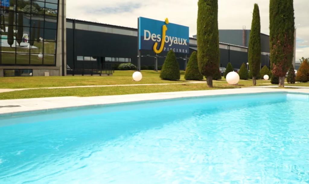 Vidéo corporate interview client Desjoyaux Piscine